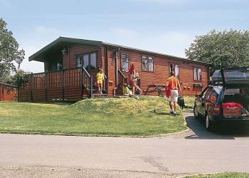 Crowhurst-Park-Lodges.