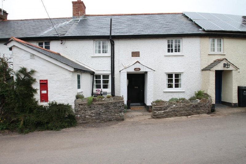 Click here for more about Syms Cottage