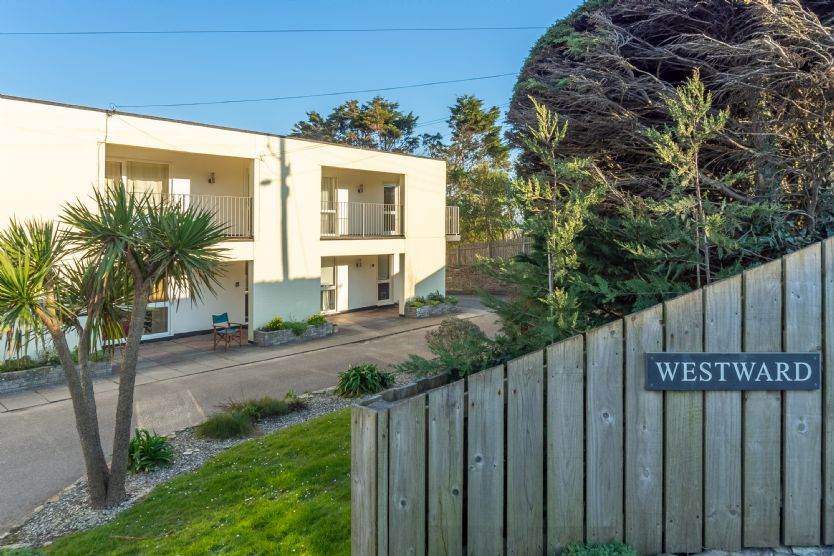 12 Westward Flats an English holiday cottage for 4 in ,