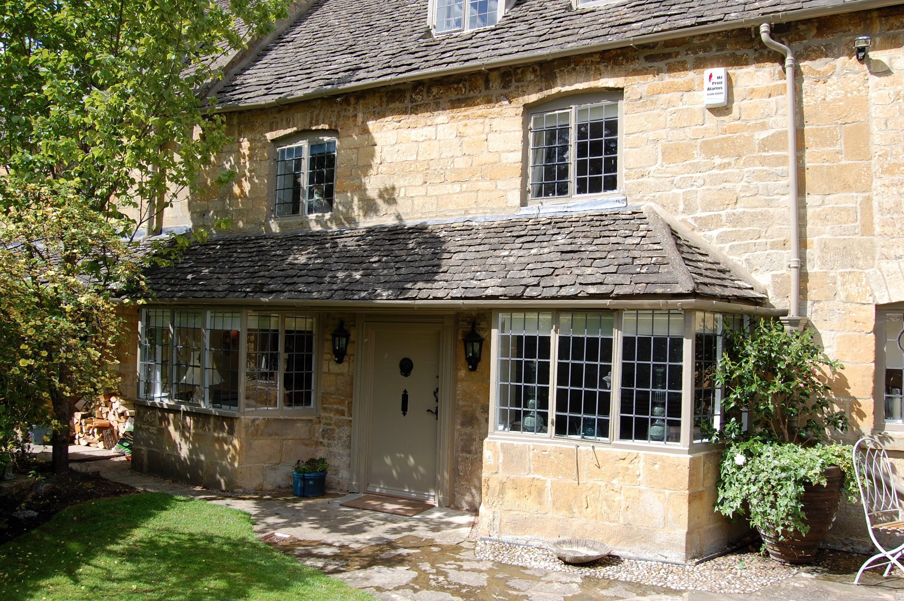 Click here for more about Closes Farm Cottage