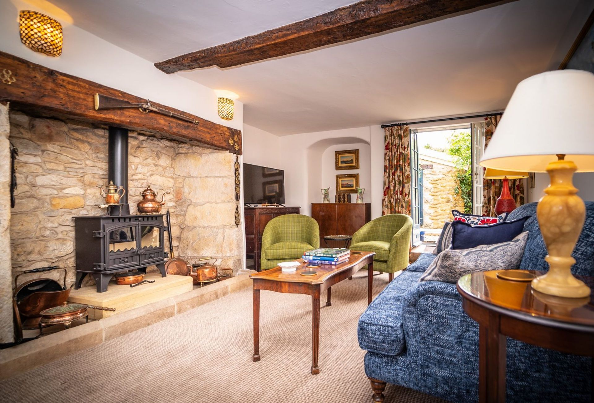 Click here for more about Eastbury Cottage
