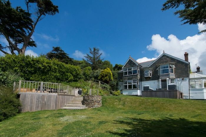 Watersend House an English holiday cottage for 12 in ,