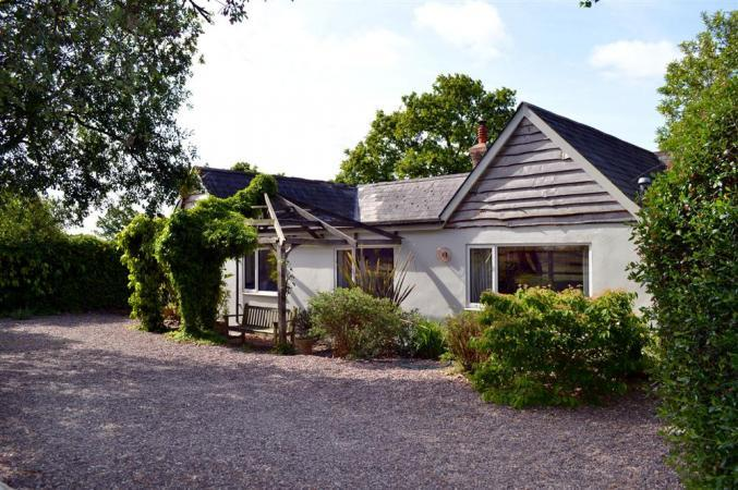 Old Farm Cottage an English holiday cottage for 8 in ,