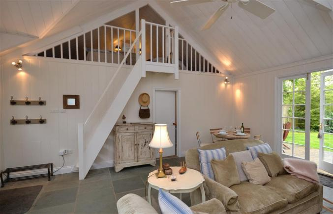Click here for more about Oak Tree Cottage