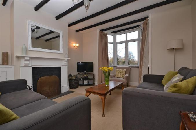Click here for more about 2 Knoll Cottages