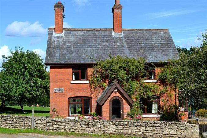 Acres Down Farm Cottage an English holiday cottage for 6 in ,