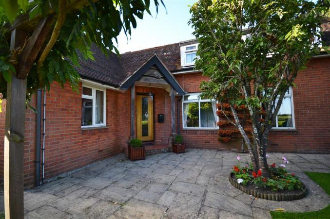 Gateways an English holiday cottage for 8 in ,