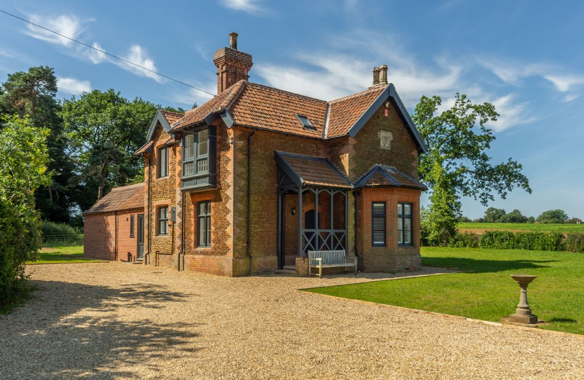 Keepers Cottage (M) an English holiday cottage for 6 in ,