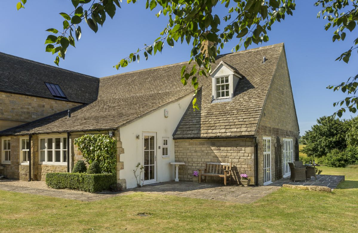 Click here for more about Highlands Cottage