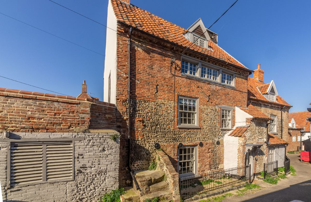 St Michael's Cottage an English holiday cottage for 9 in ,