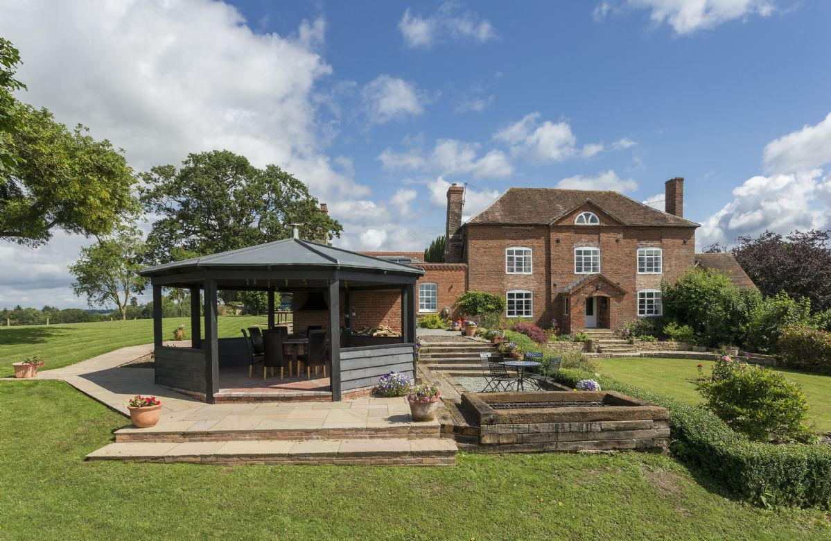 Click here for more about Broad Meadows Farmhouse