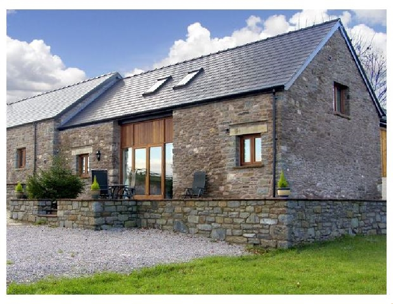 Click here for more about Millbrook Barn