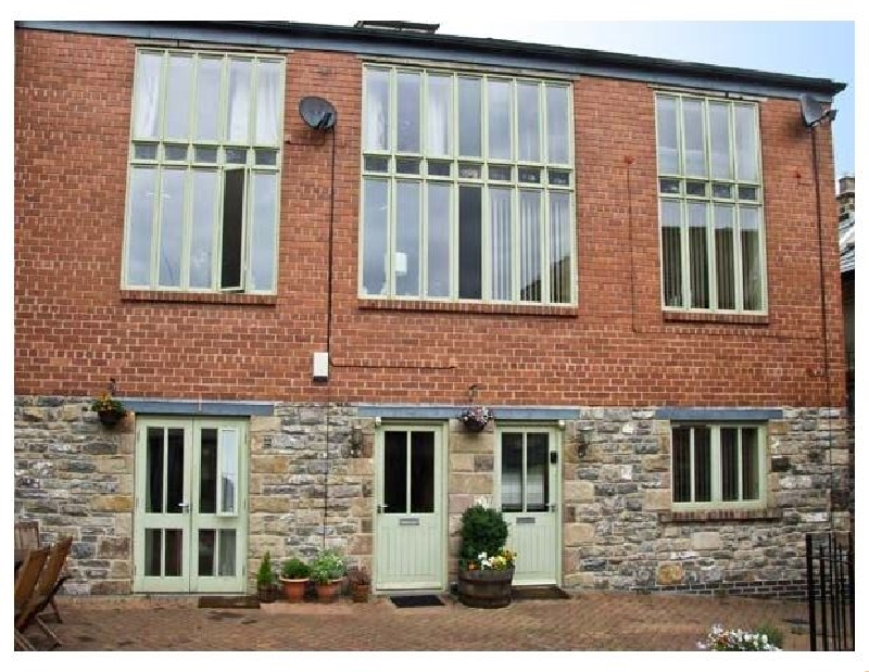 Click here for more about 3 Coach House Mews