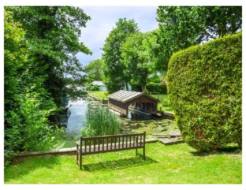 Click here for more about Swan Dyke Cottage