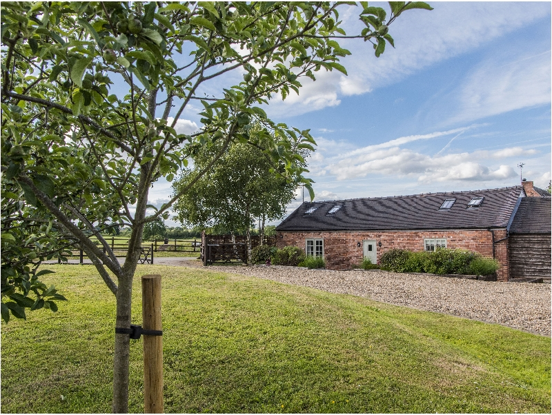 Click here for more about Barnfields Holiday Cottage