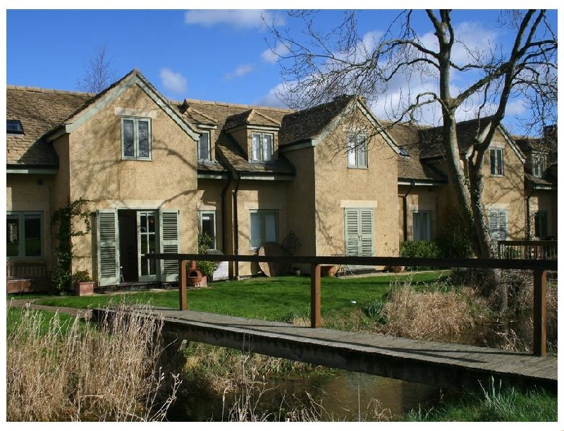 Click here for more about Kingfishers Cottage 8