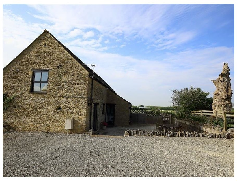 Click here for more about The Old Oak Tree Barn