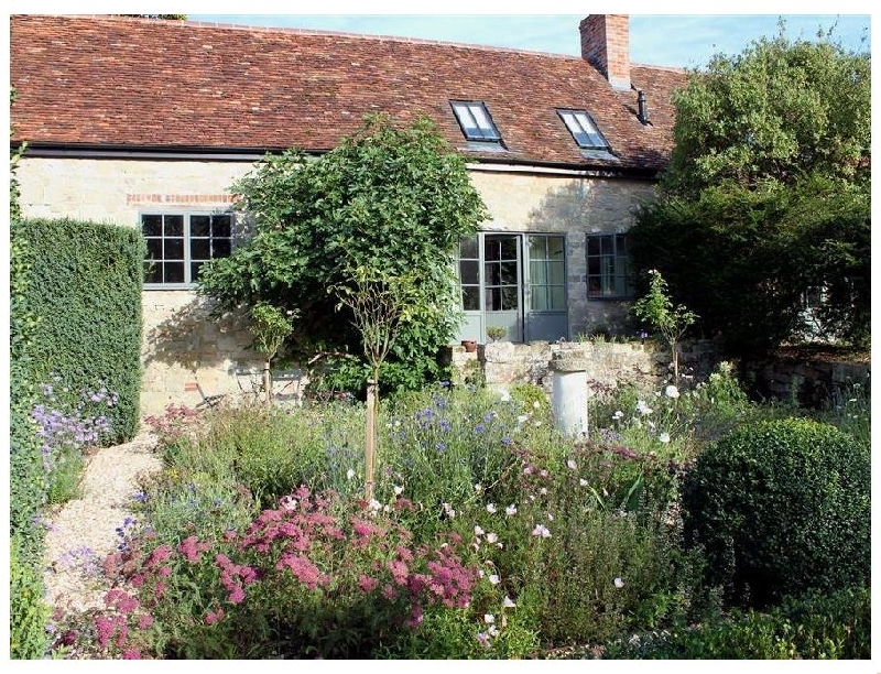 Click here for more about Kings Cottage - North