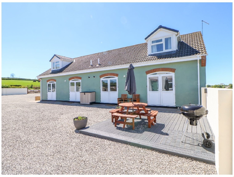 Click here for more about Bracken Cottage
