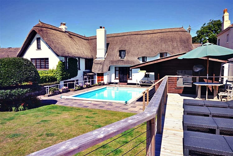 Home Cottage an English holiday cottage for 13 in ,
