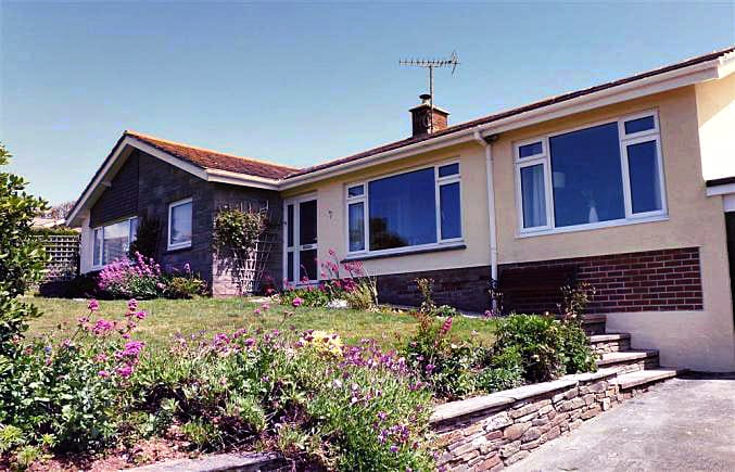 Bigbury View an English holiday cottage for 6 in ,
